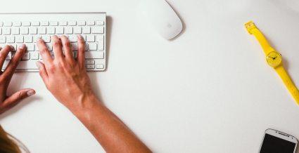 desk-keyboard-typing-8264